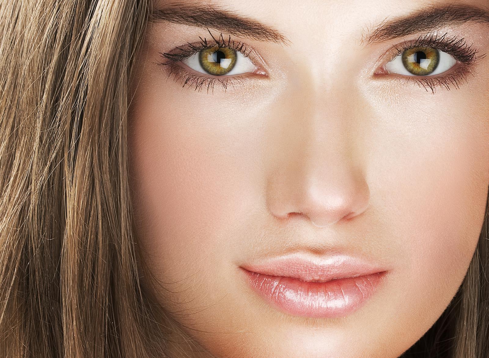 Doğal Görünümlü Göz Makyajı Nasıl Yapılır?