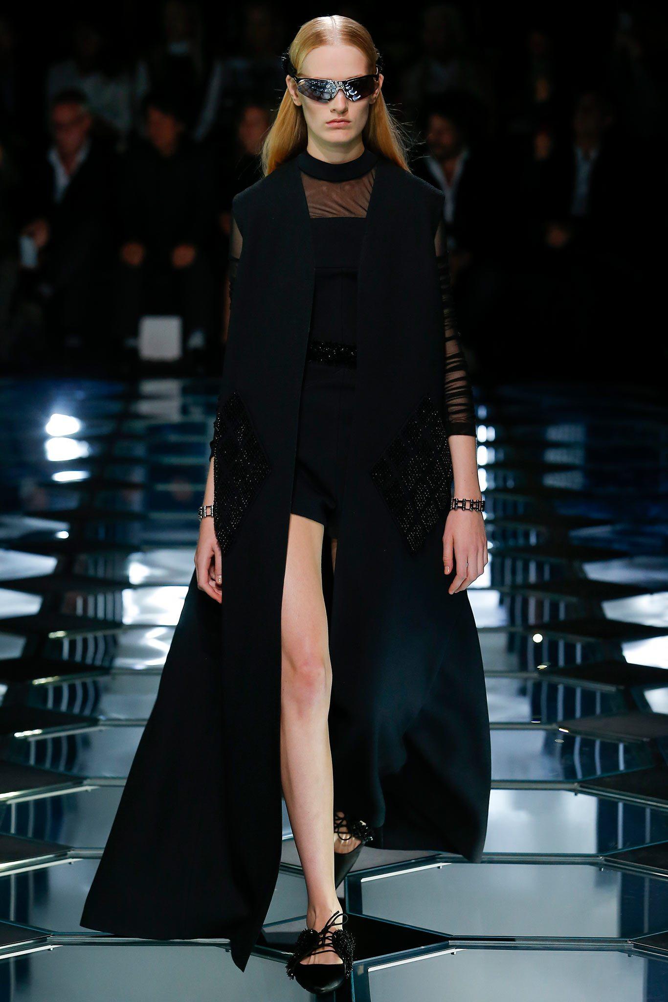 Balenciaga 2015 İlkbahar Koleksiyonu