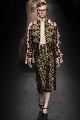 Julie Hoomans - Gucci Fall 2016 Ready-to-Wear