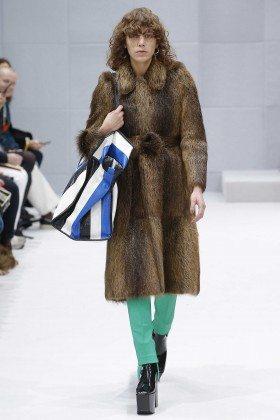Clara Deshayes - Balenciaga Fall 2016 Ready-to-Wear