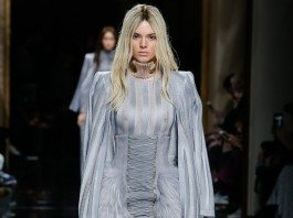 Kendall Jenner - Balmain Fall 2016 Ready-to-Wear