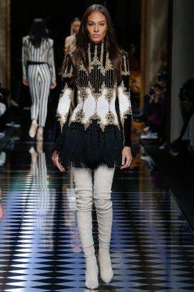 Joan Smalls - Balmain Fall 2016 Ready-to-Wear