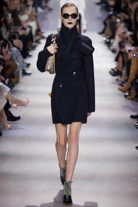 Julia Nobis - Christian Dior Fall 2016 Ready-to-Wear