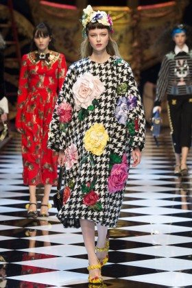 Katya Ledneva - Dolce & Gabbana Fall 2016 Ready-to-Wear