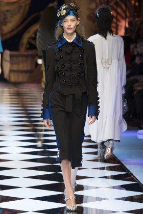 Ondria Hardin - Dolce & Gabbana Fall 2016 Ready-to-Wear