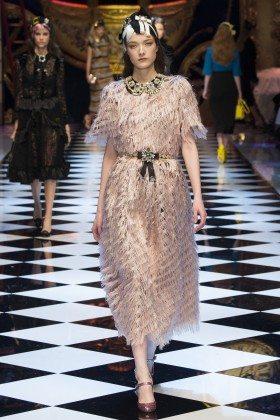 Yumi Lambert - Dolce & Gabbana Fall 2016 Ready-to-Wear