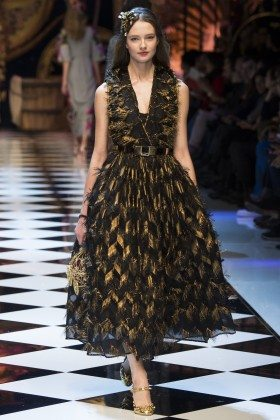 Alicja Tubilewicz - Dolce & Gabbana Fall 2016 Ready-to-Wear