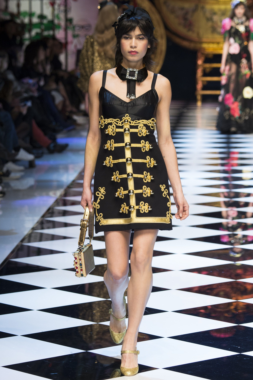 Yana Bovenistier - Dolce & Gabbana Fall 2016 Ready-to-Wear