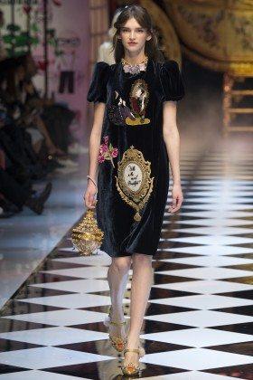 Anka Kuryndina - Dolce & Gabbana Fall 2016 Ready-to-Wear