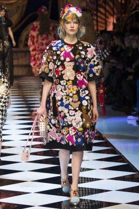 Ola Rudnicka - Dolce & Gabbana Fall 2016 Ready-to-Wear