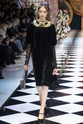 Lia Pavlova - Dolce & Gabbana Fall 2016 Ready-to-Wear
