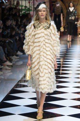 Barbara Egholm - Dolce & Gabbana Fall 2016 Ready-to-Wear
