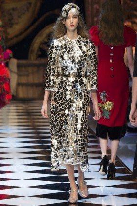 Amalie Moosgaard - Dolce & Gabbana Fall 2016 Ready-to-Wear