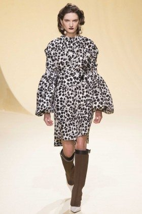 Carly Moore - Marni Fall 2016 Ready-to-Wear