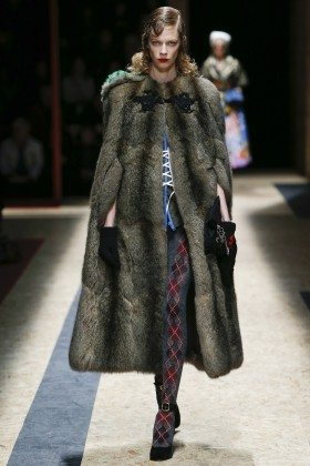 Lexi Boling - Prada Fall 2016 Ready-to-Wear