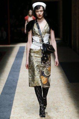 Kinga Rajzak - Prada Fall 2016 Ready-to-Wear