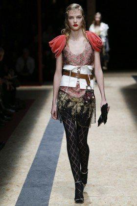 Roos Abels - Prada Fall 2016 Ready-to-Wear