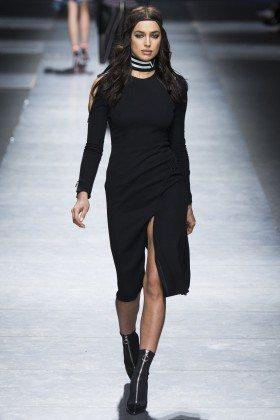 Irina Shayk - Versace Fall 2016 Ready-to-Wear