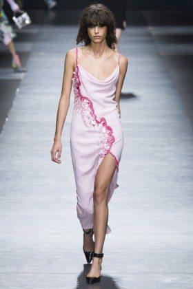 Mica Arganaraz - Versace Fall 2016 Ready-to-Wear