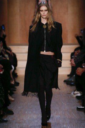 Ondria Hardin - Givenchy Fall 2016 Ready-to-Wear
