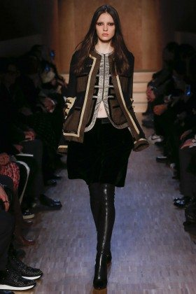 Camille Hurel - Givenchy Fall 2016 Ready-to-Wear
