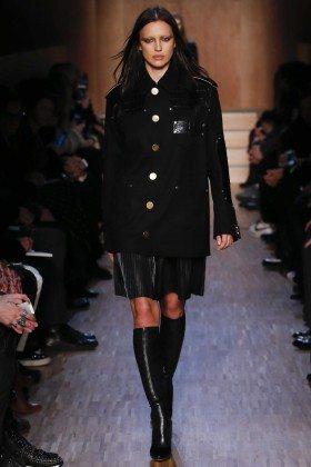 Irina Shayk - Givenchy Fall 2016 Ready-to-Wear