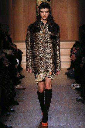 Greta Varlese - Givenchy Fall 2016 Ready-to-Wear