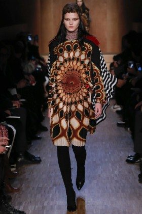 Katlin Aas - Givenchy Fall 2016 Ready-to-Wear