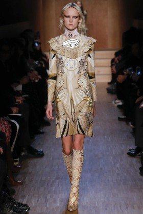Harleth Kuusik - Givenchy Fall 2016 Ready-to-Wear