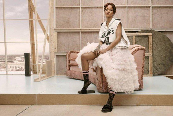 Rihanna'dan çorap koleksiyonu