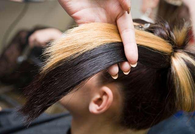 Adetliyken Saç Boyanır mı?
